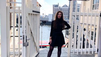 All Black Look – Photo Hotspot Loetje Amsterdam Centraal